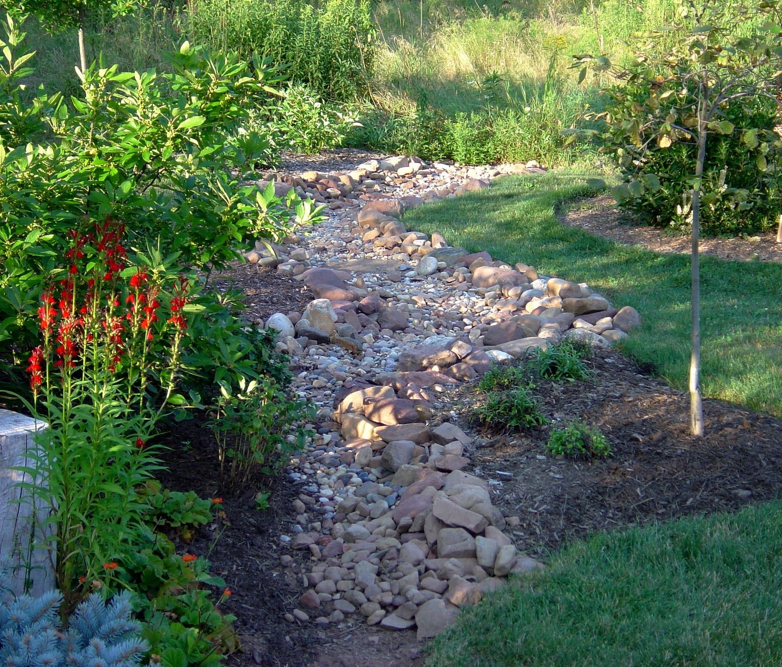 how to build a dry creek