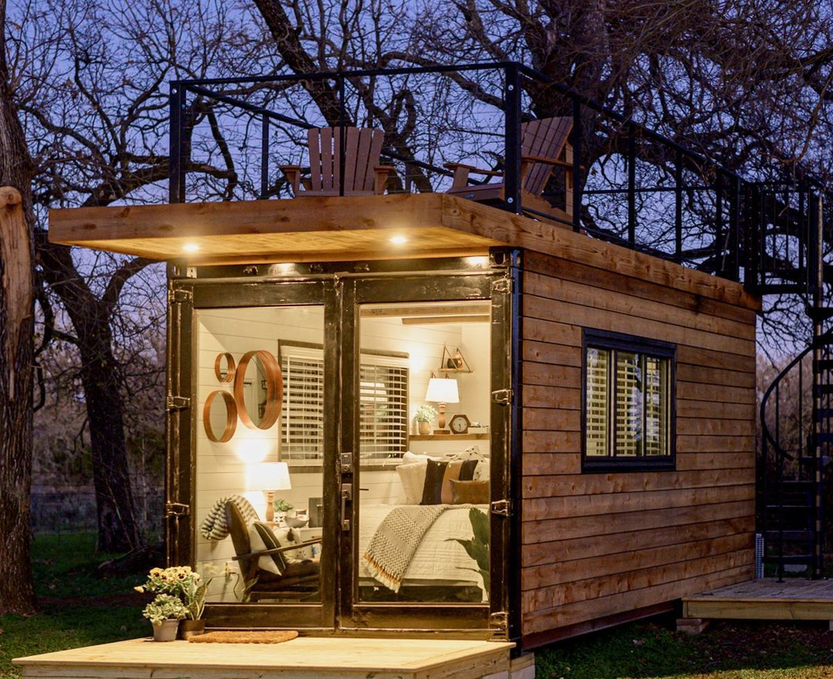 Tiny Shipping Container Home With Rooftop Deck In 2020 Container House Shipping Container Homes Shipping Container