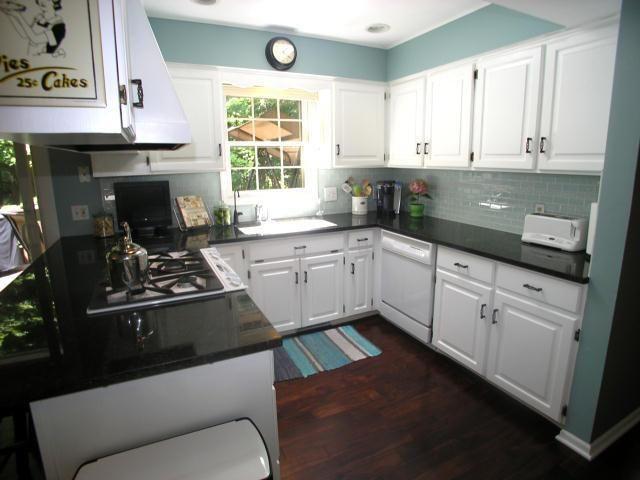 Pin By Sandy Swartzentruber On House Updates Kitchen Remodel Updating House Kitchen Decor
