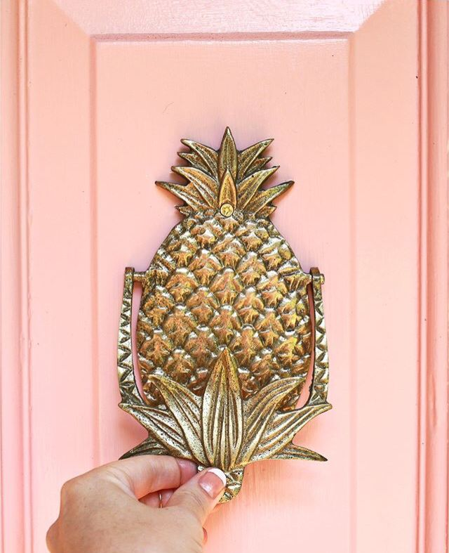 les 25 meilleures id es de la cat gorie pineapple door knocker sur pinterest ext rieur de. Black Bedroom Furniture Sets. Home Design Ideas