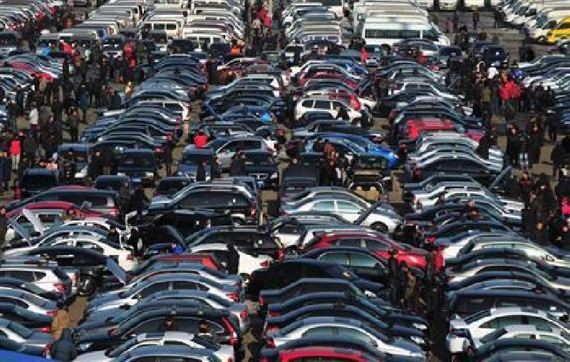 Auto Executives at Geneva not optimistic about Europe http