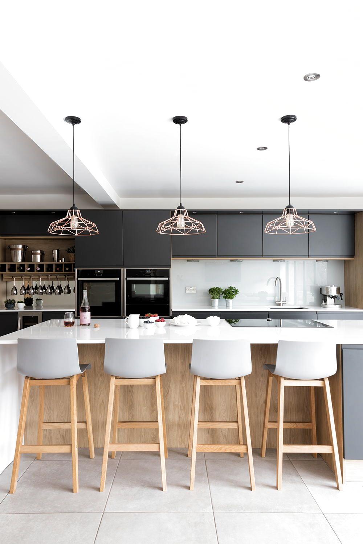 Pin De Fadhila Em Kitchen Em 2020 Cozinhas Cinzentas Cozinhas Modernas Cozinha Sala De Jantar