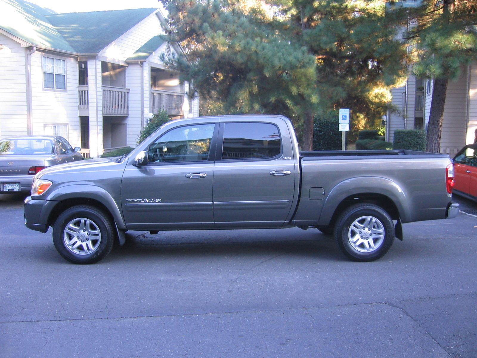 2006 toyota tundra sr5 4dr double cab sb wanna wheels pinterest 2006 toyota tundra toyota. Black Bedroom Furniture Sets. Home Design Ideas