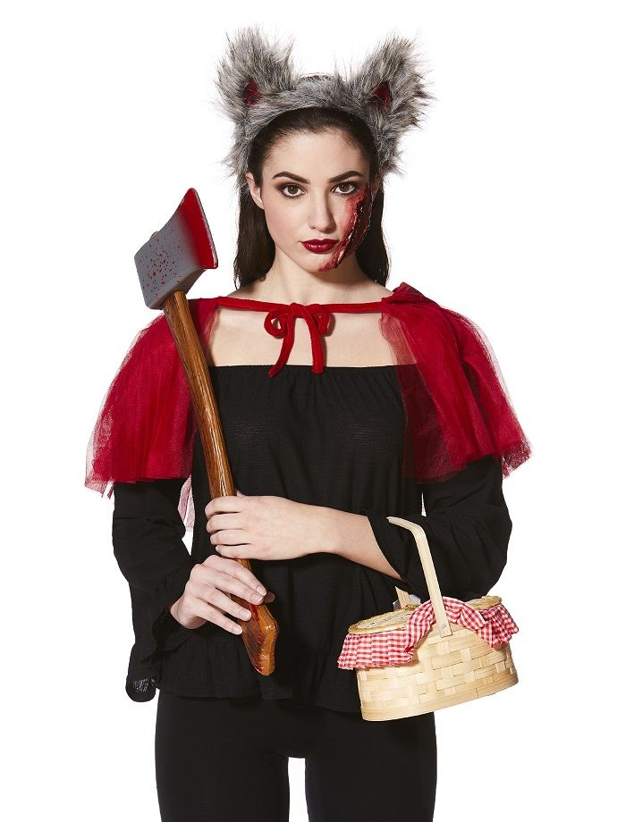 Make your own little red riding hood costume easy diy halloween looking for an easy diy halloween costume idea that wont take ages to put together have a go at this diy little red riding hood costume all you need is solutioingenieria Images