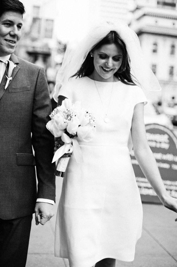 Absolutely love this mod/60s inspired brides style + Valentino dress