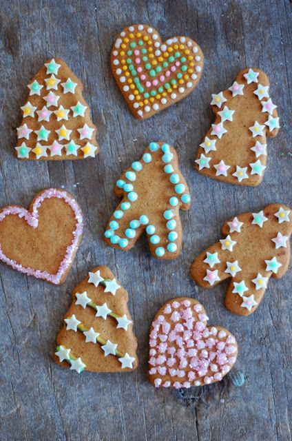 Gingerbread men  and woman   and heart   and tree ;)