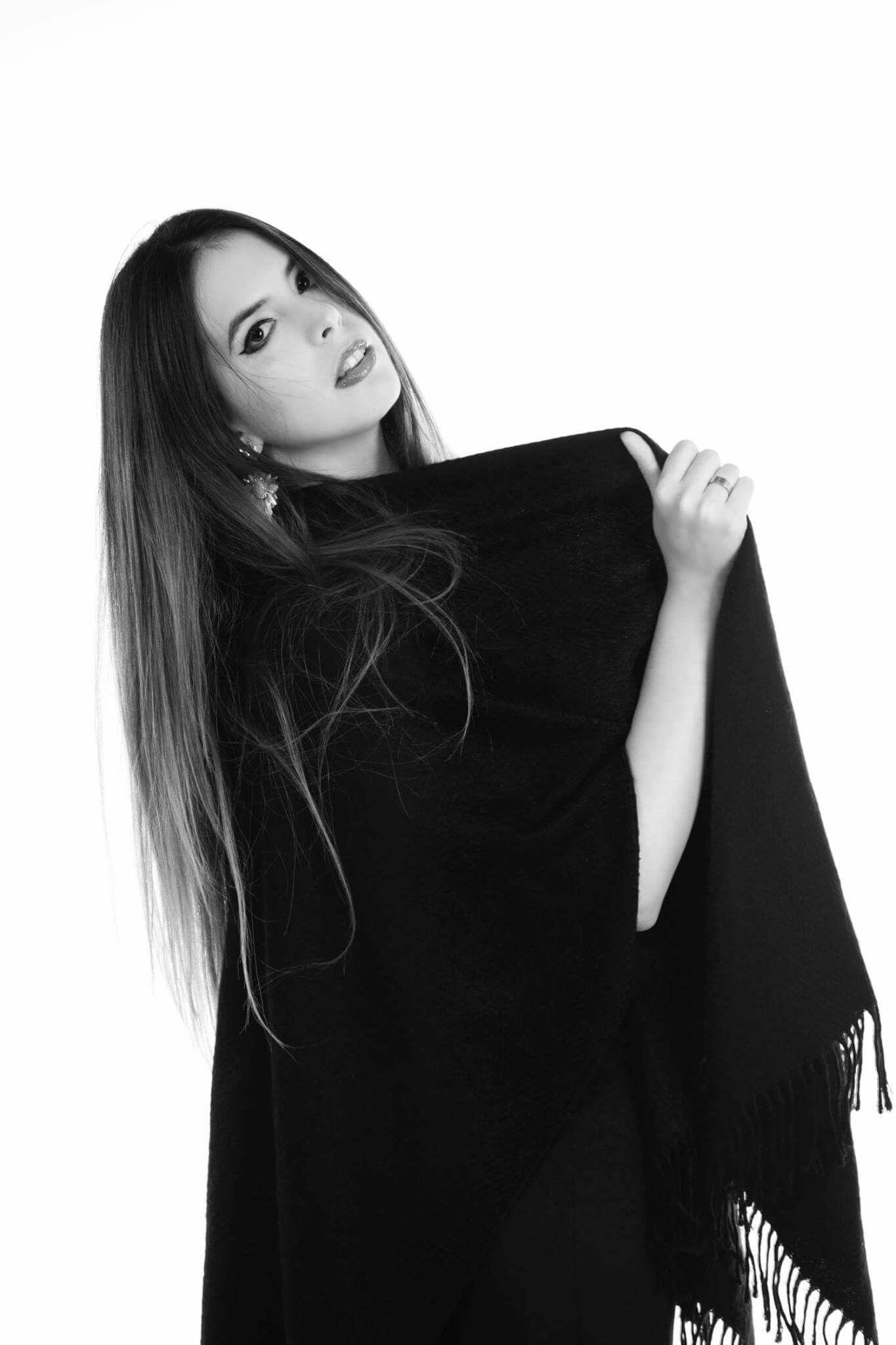 Fotografía: Macarena Basilotta  Modelo: Rocío  Maquillaje y peinado: Moluka
