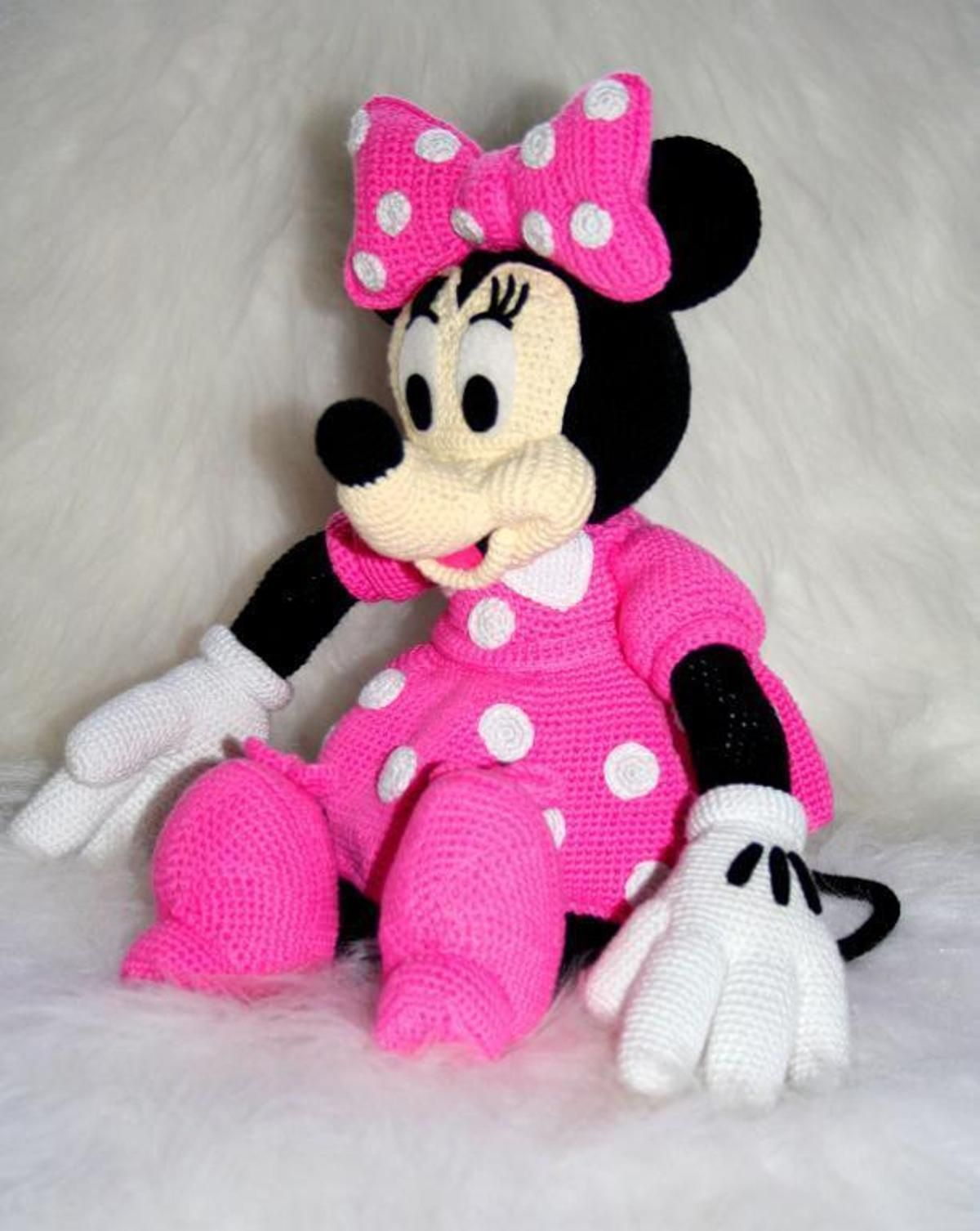 Disney Minnie mouse amigurumi crochet