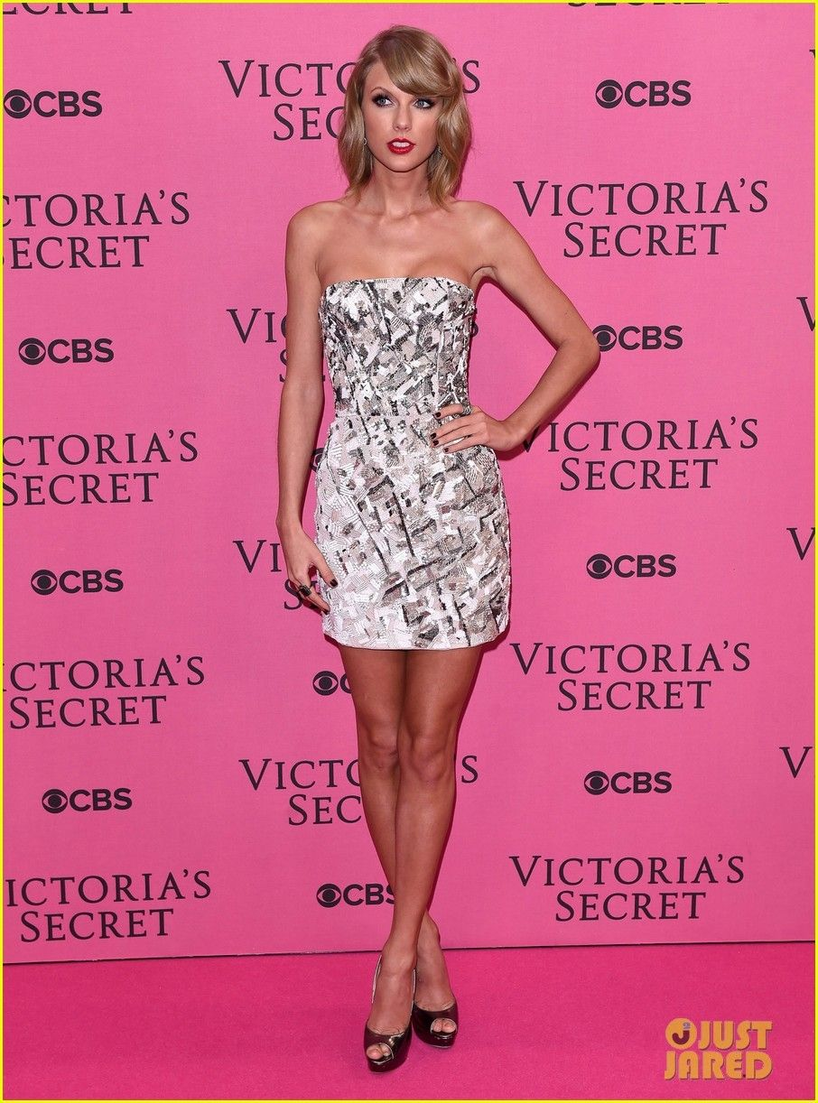 Taylor Swift assicurazione di 40 milioni di dollari per le sue gambe ...