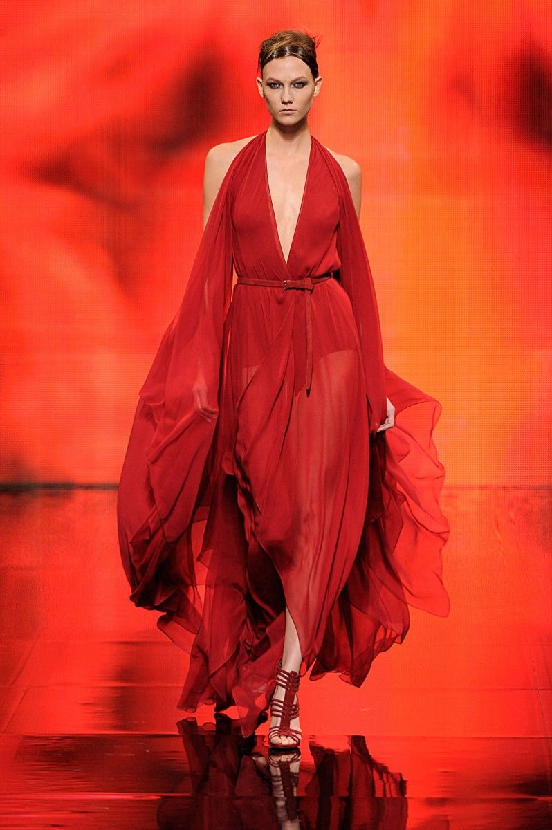 Trend: Red, Donna Karan // Fall fashion 2014: 231 photos of the top 10 trends of the season http://www.fashionmagazine.com/fashion/2014/08/18/fall-fashion-2014-top-10-trends/