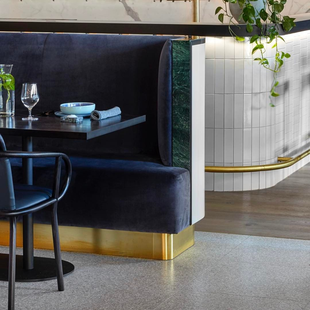 Banquette De Bar Wilson Market Banquette Bar Brick Face Tiles With Verde