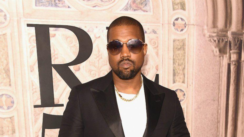 Kanye West Deletes His Twitter And Instagram Accounts Kanye West New Kanye Quitting Social Media