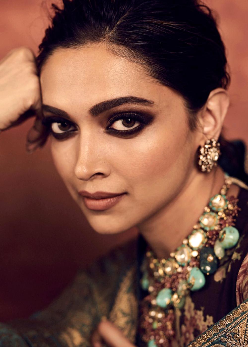Deepika Deepika Padukone Deepika Padukone Style Celebrity Eye Makeup
