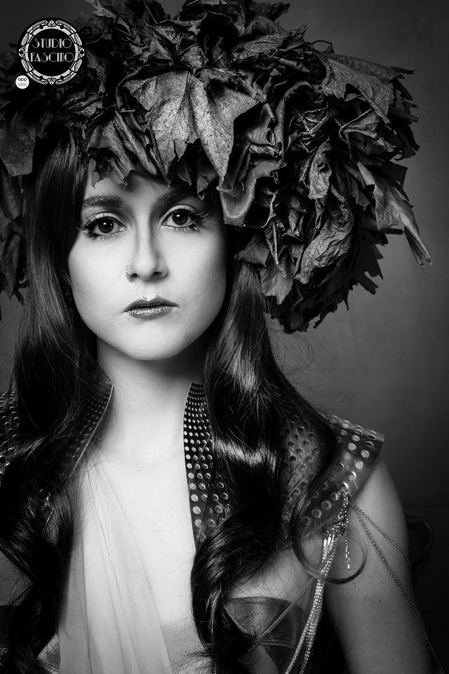 The Autumn Queen is in mourning. Fine Art Portraits by Megan Rizzo. black and White www.studiofascino.com