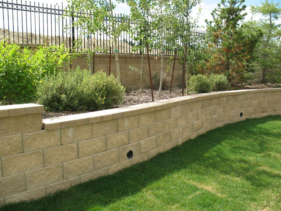 Here Is A Great Resource For Building A Wall That Should Last You A Life Time 5 Tips For A Backyard Retaining Walls Landscaping Retaining Walls Retaining Wall