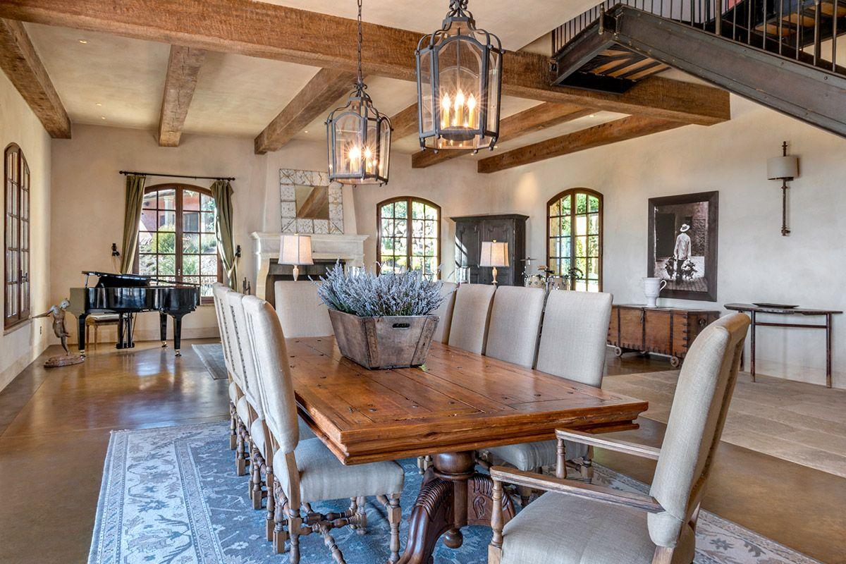 Breathtaking Tuscan-inspired vacation villa in Napa Valley
