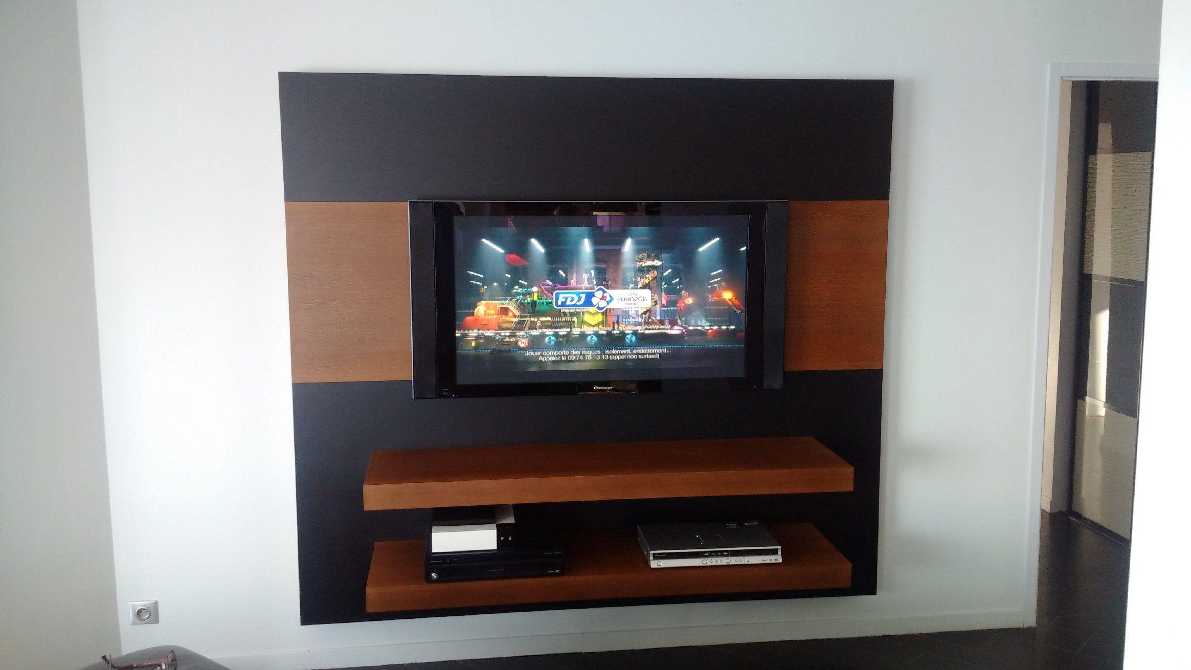 Meuble Tv Suspendu Laqu Noir Mat Et Ch Ne Teint Vernis Brun  # Meuble Tv Suspendu Plan Chene