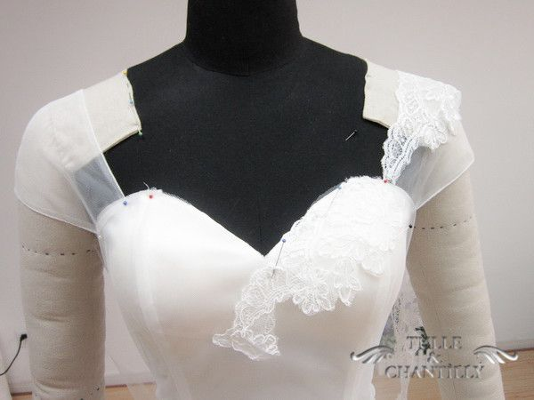Custom Made Vintage Sweetheart Lace Wedding Dress With Cap