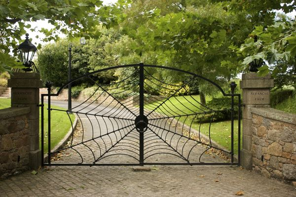 Neat Spider S Web Gate From Rylance Forge And You Can