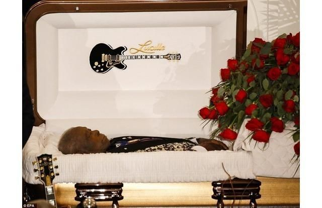 Easy E Funeral: Photos Of Famous Faces In Open Casket Funerals