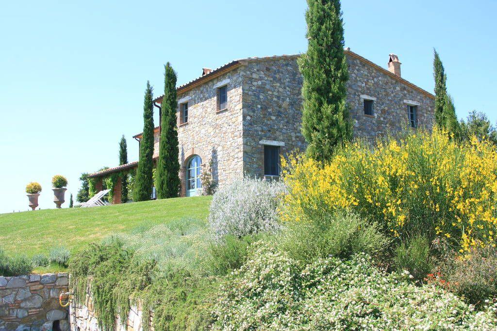Sjekk ut dette utrolige stedet på Airbnb: Podere Palazzo hilltop villa - Villaer til leie i Acquapendente