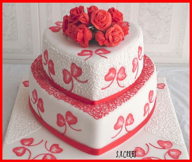 TIER HEART SHAPED CAKES WITH GP ROSES  Flickr Photo Sharing