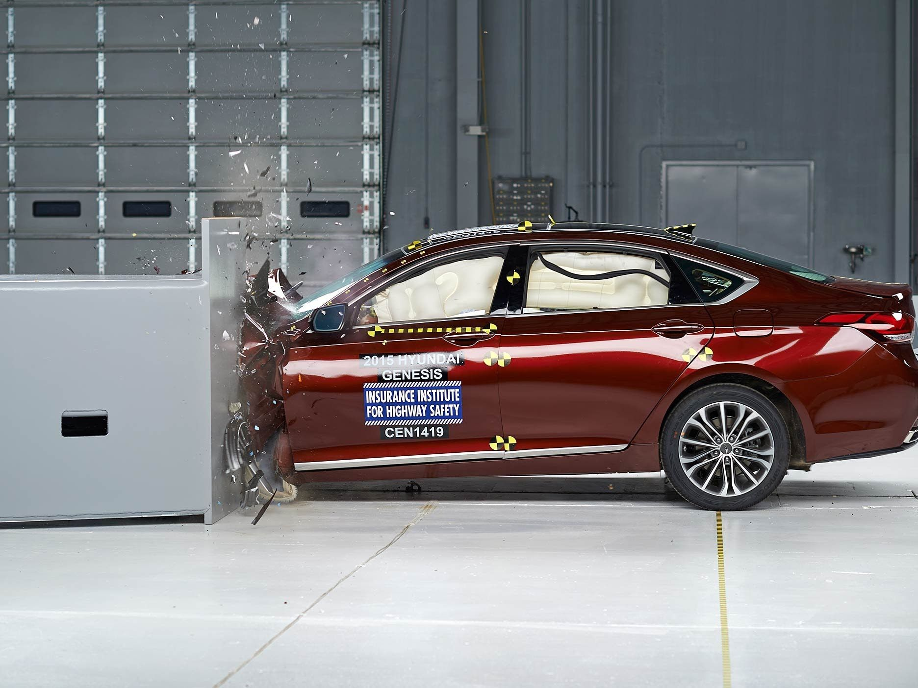 2015 Hyundai Genesis Small Overlap Iihs Crash Test Available From