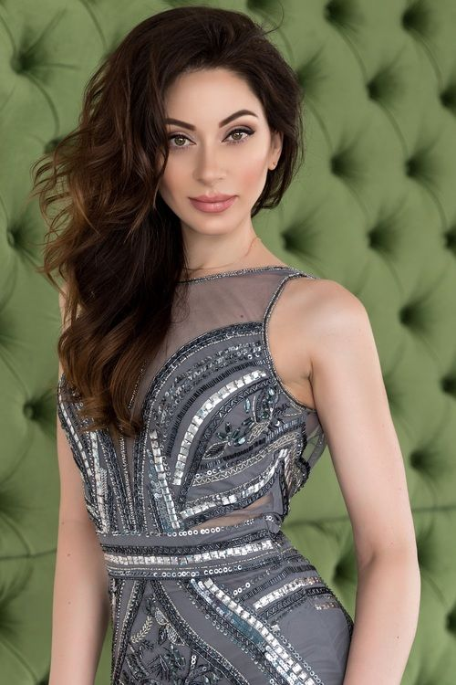 Ludmilla • 32 Jahre • Frau aus Ukraine   Frau, Modestil