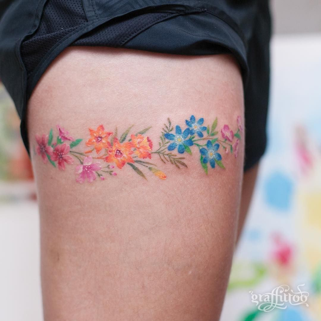 Flowers :-) (Part healed) - #타투 #그라피투 #타투이스트리버 #디자인 #그림 #디자인 #아트 #일러스트 #tattoo #graffittoo #tattooistRiver #design #painting #drawing #art #Korea #KoreaTattoo #flowertattoo #thightattoo #허벅지타투 #꽃타투