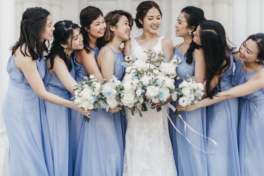 A coupleu0027s Singapore elegant blue and silver
