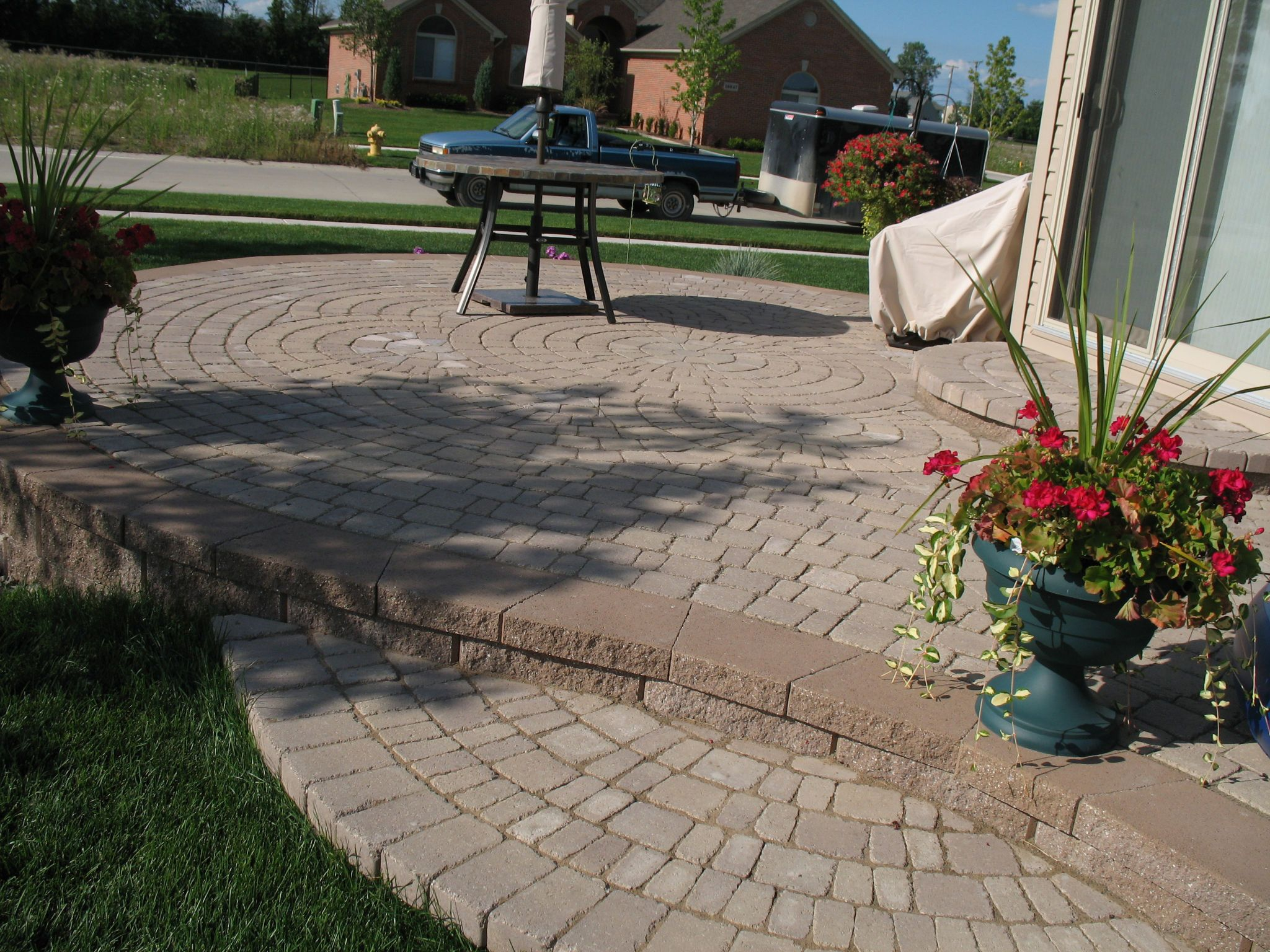 Well Groomed Curved Pavers Home Depot For Innovative Modern Patio Decor
