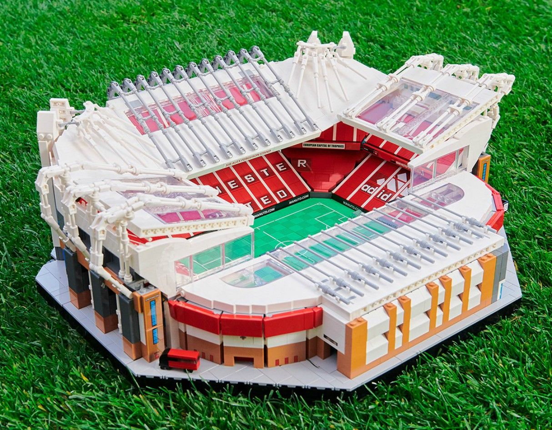 Lego Announce 3 898 Piece Model Of Man Utd S Old Trafford Stadium In 2020 Old Trafford Manchester United Old Trafford Trafford