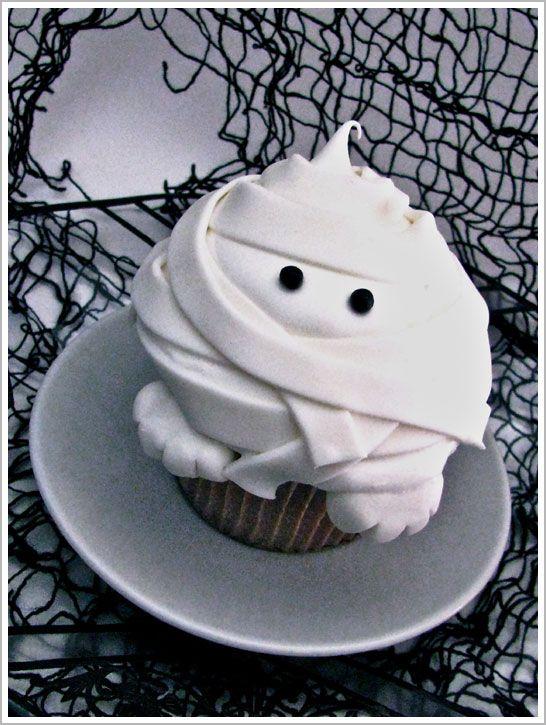 halloween mummy cupcakes cake