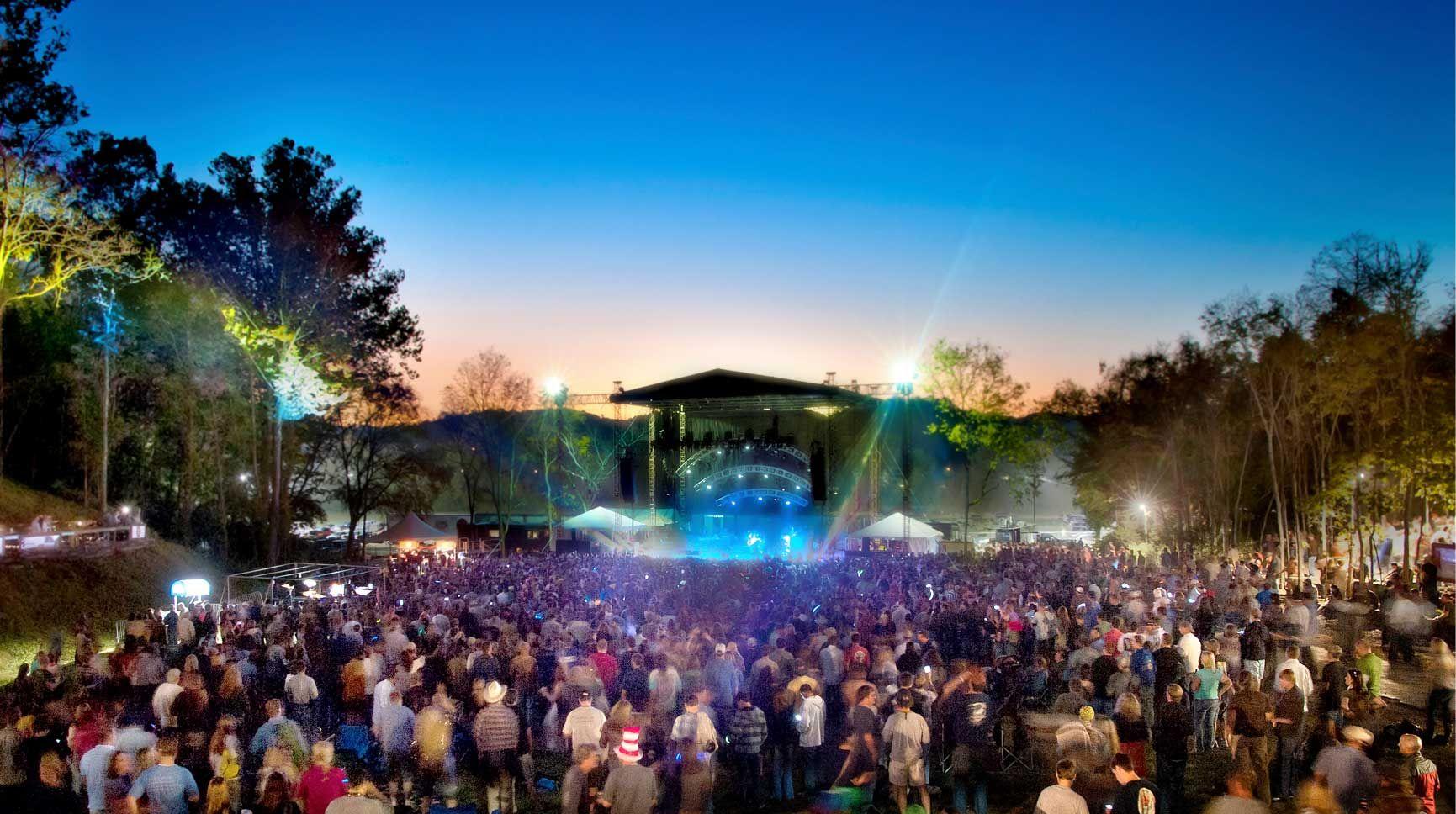 Great concert venue just outside of Nashville the Woods