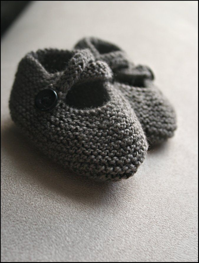 Never Not Knitting: The Tiniest Baby Shoes