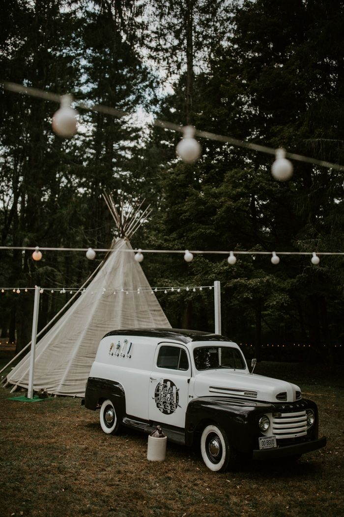 This Glamping Inspired Appalachian Trail Wedding Takes Natural Details to the Next Level