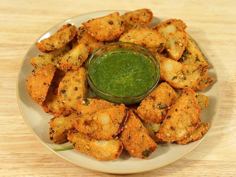 Kalmi vada fried lentil patties manjulas kitchen indian food forumfinder Image collections