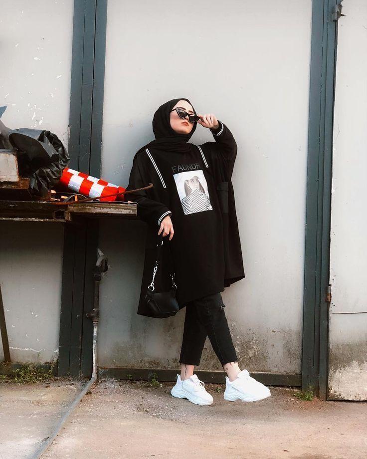Bild könnte enthalten: eine oder mehrere Personen und Schuhe  #frauenstile   Te... - Genç Kız Modası -   #BILD #eine #enthalten #frauenstile #Genç #kız #könnte #mehrere #modası #oder #Personen #Schuhe #und #seyfooksck
