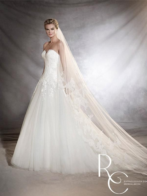 Trendy Premier stockists of Pronovias Wedding Dresses with a vast collection of samples to try in our boutique and the option to borrow directly from Pronovias