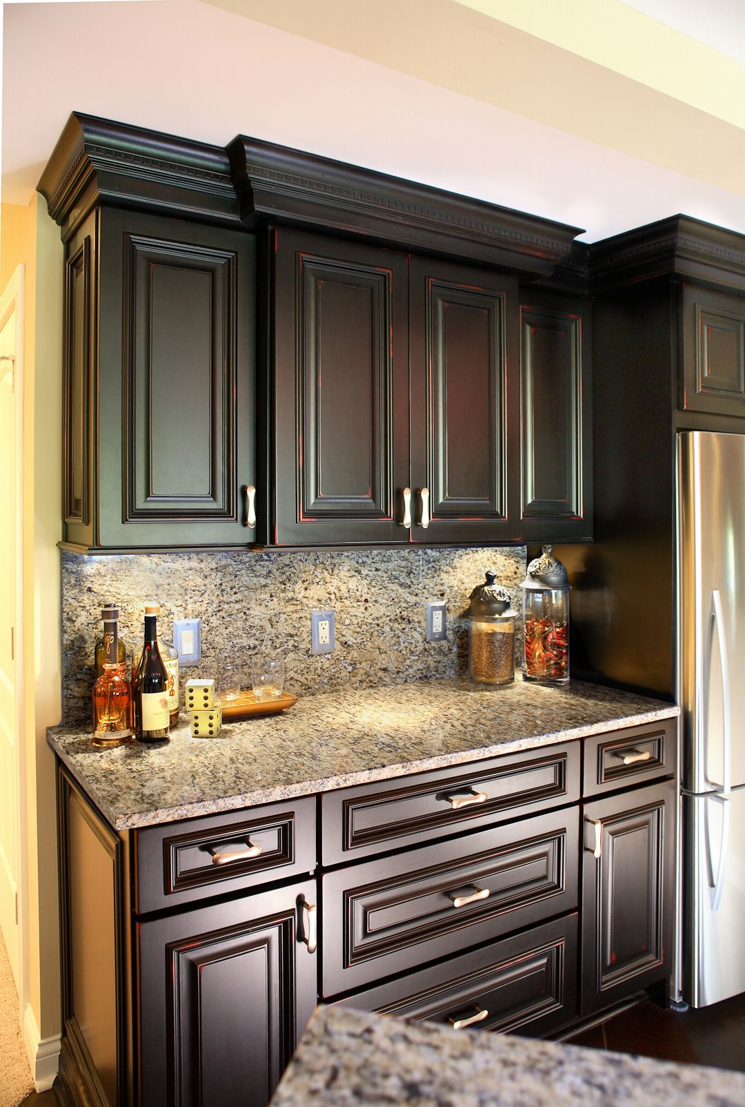 Best Gorgeous Countertops And Backsplash With Lots Of Cabinet 640 x 480
