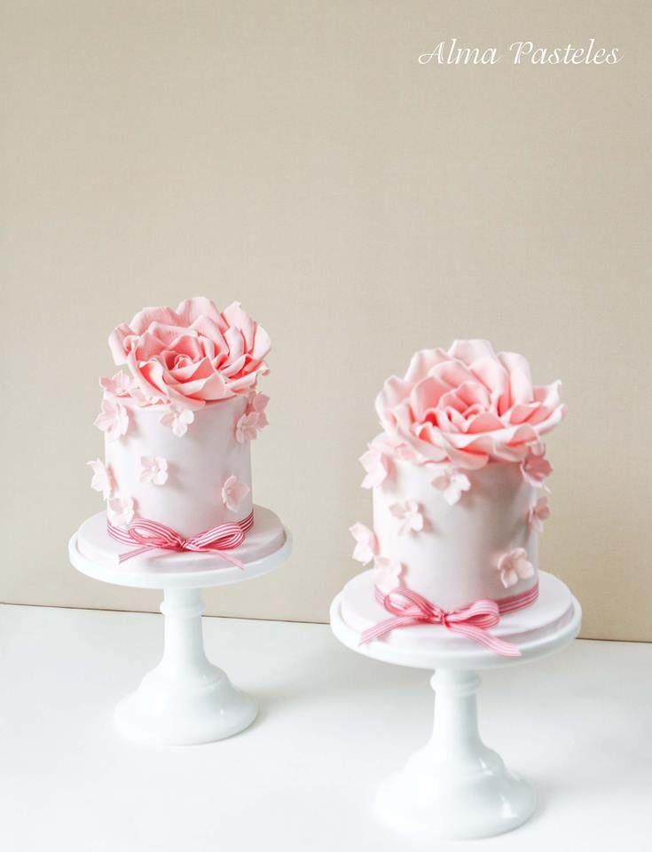 Pink Flowers Mini Cakes