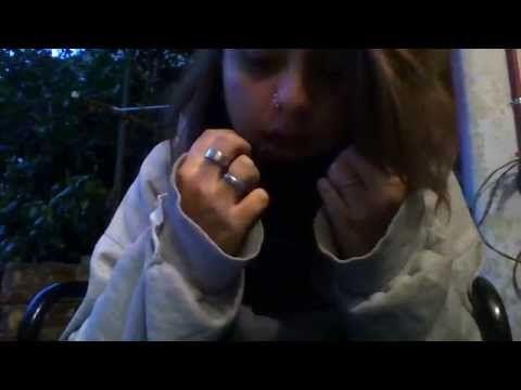 VIVO EN LA LUNA. - YouTube