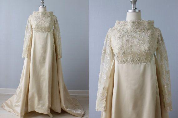Sale Vintage 1960s Wedding Dress Watteau Train Lace Etsy Flapper Style Wedding Dress Wedding Gowns Vintage 1960s Wedding Dresses
