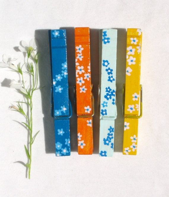 Pintado a mano de flores pinzas pinzas magnéticas por SugarAndPaint