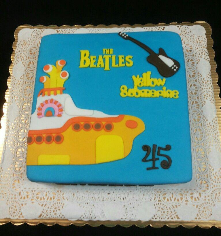 Pastel de Submarino Amarillo