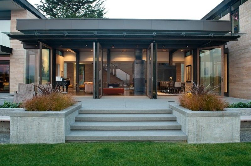 Sustainable Park Hilltop Residence by Stuart Silk Architects