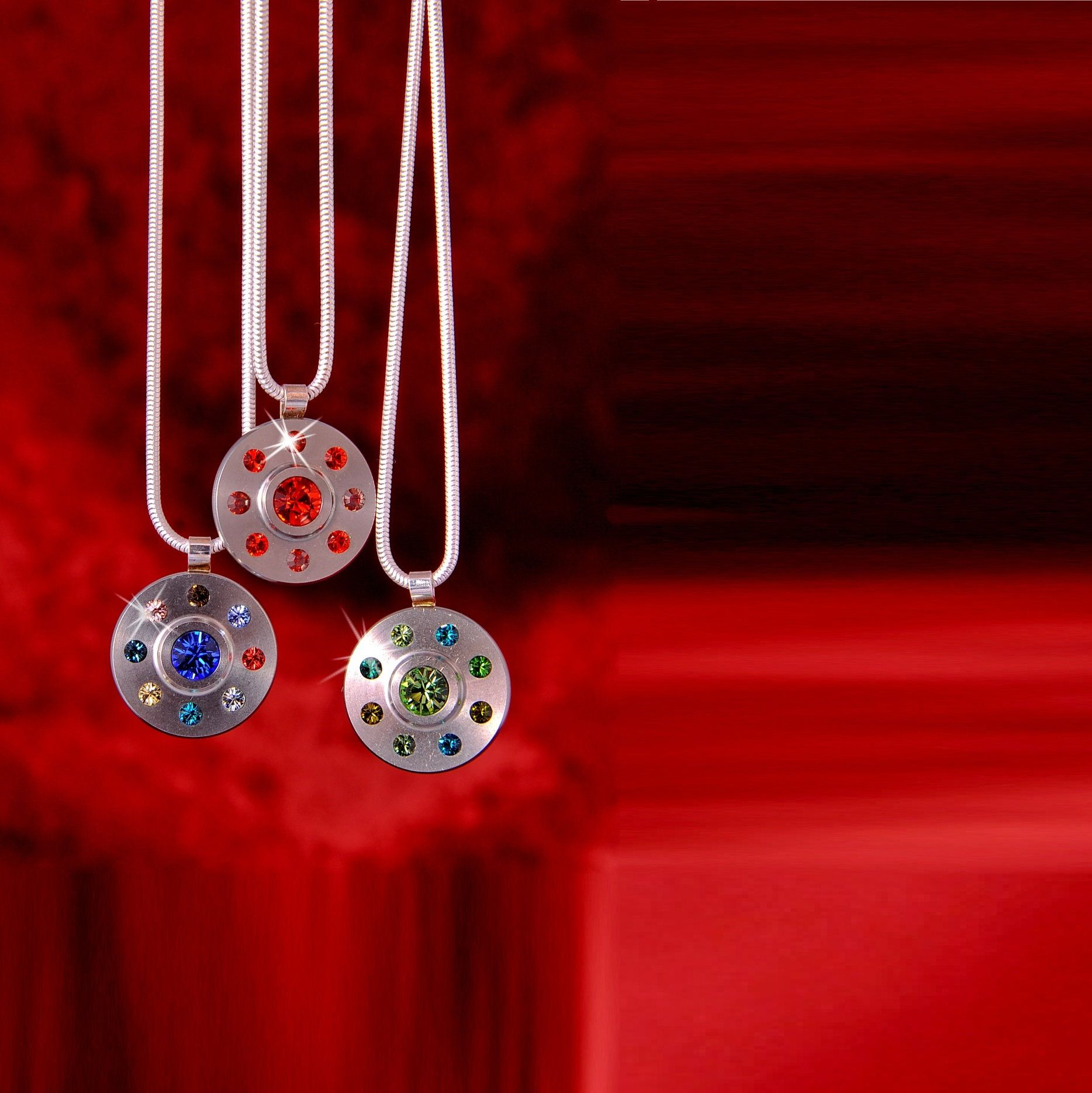 Anhänger aus Edelstahl und Swarovski Elements Kristallen