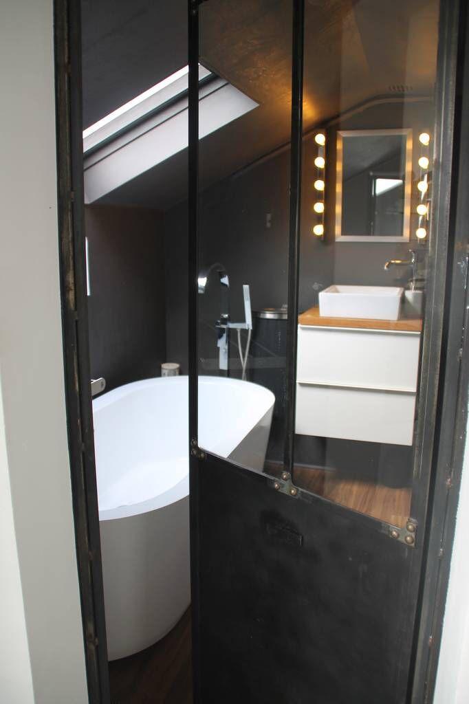 Salle de bain - baignoire îlot - porte verriere atelier Les