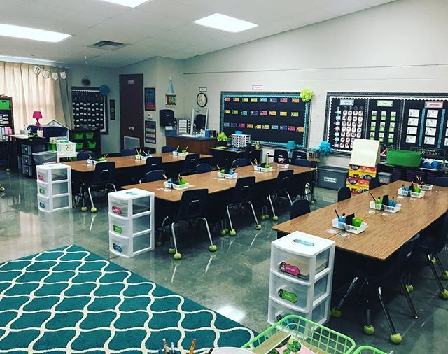 In 2 days this classroom will be filled with my new students♥️ As hard as it will be to watch my old students walk past my room & into their new 2nd grade classrooms, I really can't wait for all of the memories to come with my new group of kiddos😊  firstgrade  firstdayofschool  teachersofinstagram