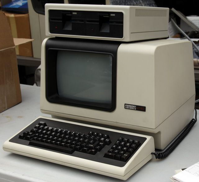 DEC Robin (VT-180) Zilog Z80 CP/M personal computer by